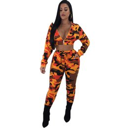 Camuflaje yoga pantalones mujeres online-Conjunto de 2 piezas de camuflaje Mujer 2018 Camuflaje de manga larga Tops y pantalones con capucha Trajes casuales Traje Chándal de dos piezas