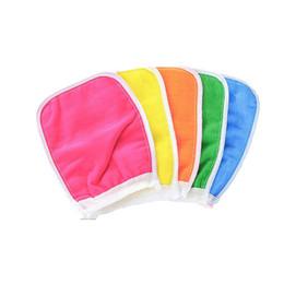 Toallas de masaje online-Tape Back Scrush Scrub Guantes Exfoliating Body Towel Massage Ducha Scrubber Exfoliating Sponge Wash Guantes de baño