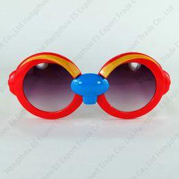 Çocuklar Renkli Güneş Gözlüğü Özel Hayvan Tasarım Güzel Mole Tarzı Çerçeve Kaş Ve Diş Ile Toptan Çocuk Güneş Gözlüğü nereden
