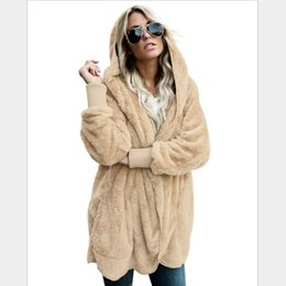 Argentina Abrigo de piel sintética de diseñador Abrigo de lujo con comodidad Dos capas de abrigo de invierno Mujeres y abrigo con capucha de moda (Talla S-3xl) Suministro