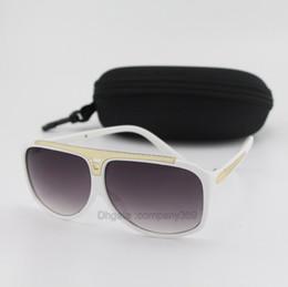 Оптовая цена Марка дизайнер солнцезащитные очки мужчины женщины высокое качество белая рамка спорт рыбалка вождения очки с чехлами и коробки от