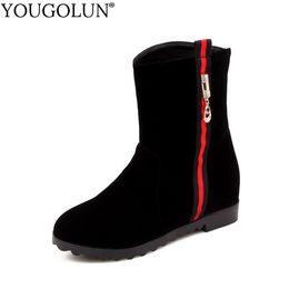 YOUGOLUN Stivaletti Donna Flock Winter Autunno 2018 New Fashion Donna Crystal Shoes Elegante Donna Nero Low Wedges Heels # B043 cheap elegant black wedges da eleganti cunei neri fornitori