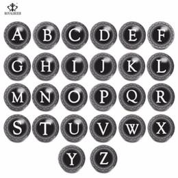 2019 monili del branello del tasto ROYALBEIER 18mm gioielli con bottone a pressione 26 lettere dell'alfabeto rotondo di vetro perline bracciali adatti gioielli fatti a mano donne regali KG0007 monili del branello del tasto economici
