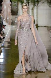 Zuhair murad split side dress on-line-2018 zuhair murad dividir o lado vestidos de noite formal com manga longa de um ombro lantejoulas vestidos de noite trem da varredura chiffon vestido de baile