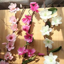 viti artificiali verdi appesi fiore Sconti Fiori artificiali di seta di tocco reale decorativo decorativo della vigna del fiore della vite con le foglie verdi per la decorazione della ghirlanda d'attaccatura domestica