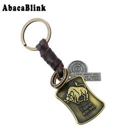 Подвесные кольца онлайн-12 Constellations Leather Keychain Anime Vintage Alloy Taurus Pendant Key Chains Car key holder Handbag chaveiro Diy Rings