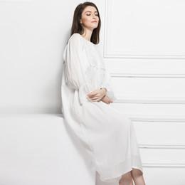 aa66fdc85 Camisón de algodón larga pijamas de las mujeres embarazadas de color blanco  de encaje princesa ropa de dormir camisola larga túnica de maternidad pijama  ...