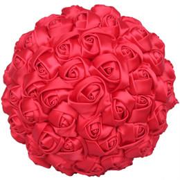 Decorações de casamento de marfim vermelho on-line-Flores artificiais do casamento Buquês de casamento para noivas Rosas artesanais Bouquets de noiva Rosa Marfim vermelho da dama de honra Buquê Decorações de casamento