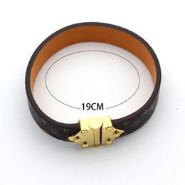 Rivets for leather bracelet on-line-Venda quente Pulseiras Rebite 316 L Titanium Aço Inoxidável com pulseiras de couro genuíno Moda Jóias Para As Mulheres pulseira de presente PS7225