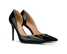Каблуки онлайн-Сексуальная красный высокий каблук женская обувь мелкий рот черный белый сторона воздуха весной и осенью новый указал краска toe юбка бесплатная доставка
