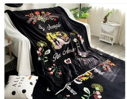 Wholesale head throw - Creative Design Tiger Head Black Solid Blankets 150*200CM Single Bed Flannel Blanket Fashion Christmas Gift Coral Fleece Blankets