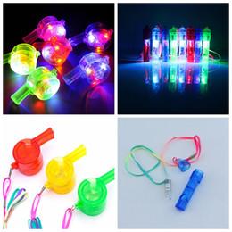 2019 led produits en plastique LED Flash Whistle Bruit Maker Enfants Enfants Jouets Jouets Fête D'anniversaire Festival Nouveauté Accessoires Noël Bruit Maker Jouet GGA773 1000pcs