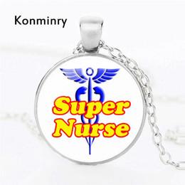 disegnare l'arte del fumetto Sconti Konminry Fashion Art Drawing Super infermiera collana per donna uomo rotondo vetro pendente modello cartoon collana gioielli regali