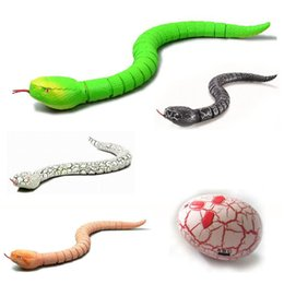 Wholesale Remote Snake - IR RC Animals Rattlesnake Snake Centipede Bionic Reptile 3CH Infrared Remote Radio Control Snakes Chilopod Rattle Tricky Brains Toys OTH736