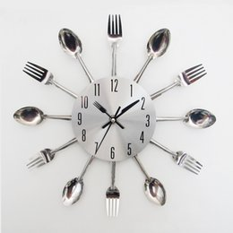 Novo relógio de parede de design on-line-Mecanismo de Relógio de parede garfo colher faca Projeto Home Decor Art Faqueiro Clocks Cozinha moderna Sala New Arrival 21hr V