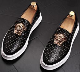 3b61a0699df448 2019 Top Qualität Mode Männer niet kausal Plattform Wohnungen Schuhe  Müßiggänger für Männer Rock Hip Hop Dress Footwear