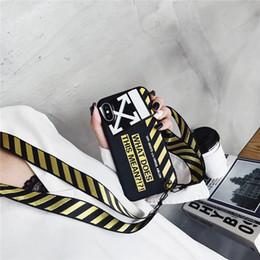 Seil armband muster online-Gedruckt Brief Weiche Rückseite Streifenmuster Armband Seil Telefon Shell Flut mit Langen Schlüsselband für iPhone XS Max XR 6 s 8 Plus