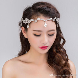 Wholesale rhinestone hair decorations - New Arrival 2018 Bridal Forehead Decoration Hot Sale Jewely Wedding Headgear Rhinestone Pendant Crowns Bridal Headpieces