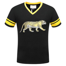 Wholesale Tiger Print T Shirts Women - 2018 fashion Summer luxury designer Brand clothing tshirt V-NECK classic embroidery tiger for Men casual women t-shirt tee top shirts