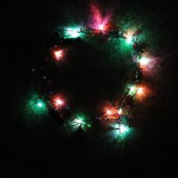 2019 colar pingente luminosa Criativo LEVOU Luz Colar Eco Amigável Pingente Luminoso Piscando Luzes Frisadas Glowing Colares Venda Direta Da Fábrica 3 8za B desconto colar pingente luminosa