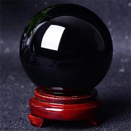 Ornamenti in pietra di cristallo online-Moderno naturale nero ossidiana sfera di cristallo sfera di guarigione con stand Home Office ornamenti per la tavola Vendita calda 15ns2 gg
