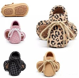 Wholesale Toddler Girl Polka Dot Shoes - Baby Spring Autumn Genuine Leather Shoes Baby Boys Girls Soft Sole First Walkers Moccasins Toddler Lace Up Shoes Prewalkers B11