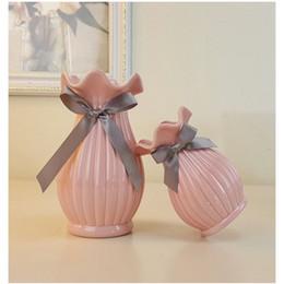 Deutschland Europäische Moderne Mode Keramik Blumenvase Dekoration Kleine Keramik Vasen Hochzeit Dekoration Tabletop Handgemachte Vase supplier ceramics handmade vases Versorgung