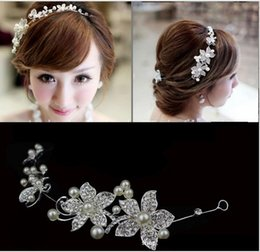 Wholesale red hair flower wedding - 2018 Silver Red Wedding Bridal Headpiece Hair Accessories with Pearl Bridal Crowns Tiaras Head Jewelry Rhinestone Bridal Tiara