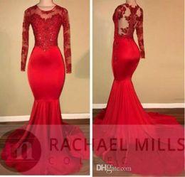 Encaixe vermelho montagem vestidos on-line-2018 New Red Sexy Sereia Vestidos de Noite Longos Formal Vestidos de Festa À Noite Sheer Jewel Pescoço Rendas Apliques de Malha Vestidos de Baile Vermelho