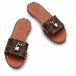 Wholesale fashion accessory applique - Branded Women Patent Canvas Lock It Mule Slippers Padlock Accessory Designer Lady Leather Outsole Flat Slide Sandal