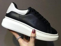 Wholesale shoes size 25 - New Style Top Quality Model Queen Causal Shoes Blacks Hot Sale 25 Colors Brand Men And Women Genuine Leather Increase Shoes Size 35-45
