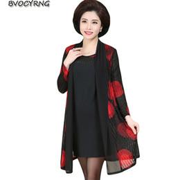 276597a1ea2f Novo tamanho grande de meia-idade das mulheres duas peças vestido de moda  lazer xale + sem mangas sexy dress feminino primavera outono vestidos