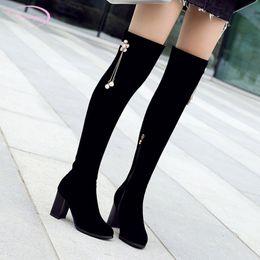 b147914e828b7 Chainingyee caballero cabeza redonda otoño sobre rodilla botas rhinestone  flor cadena de cremallera negro botas de montar de tacón alto de las mujeres