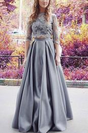 Vestidos de dama de honor gris online-Vestidos de noche formales, gris, media manga dos piezas Elegante vestido de novia Ocasión especial Vestido de fiesta de dama de honor 17LF186