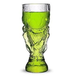 Coppa del Mondo Design Bicchiere di birra Birra Bevanda Acqua Boccetta Coppa del mondo di calcio Birra Stein Boccale di birra Trofeo di vetro Forma Bicchieri da vino personalizzati da tazza del trofeo di calcio fornitori