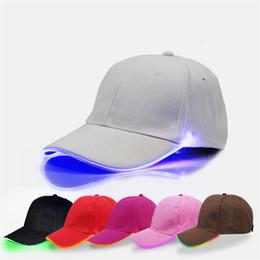 ha condotto il cappello del cappello del cappello Sconti Berretti da baseball a LED Notte luminosa cappello a sfera cambiando modalità Flash LED a luce Snapbacks Donna Uomo Teenage Peak Cap Sport pesca cappelli Sunhats