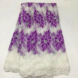 Argentina 5 yardas / pc Maravilloso bordado de encaje de seda con leche africana estilo blanco y tela de algodón púrpura para el vestido BM3-1 supplier white african laces fabrics Suministro