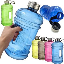 Contenedores de pe online-2.2L de Gran Capacidad de la Botella de Agua de Gimnasia Deportiva botella de agua de entrenamiento de Gimnasia Acampar Running Jar Jarra de Plástico Botellas de Agua EMS HH7-1379