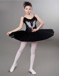 2019 trajes de bailarina adultos Branco / Black Diamond Swan Lake Ballet Costume Meninas 6 Camadas Ballet Trajes Para As Mulheres Adultos Clássicos Vestido de Bailarina Para A Dança desconto trajes de bailarina adultos