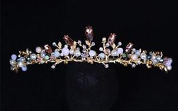 accesorios para el cabello boda india Rebajas Barroco retro novia tocado de la corona de oro perla cristal corona tocado de la boda accesorios del estudio de la foto