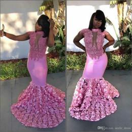 3d encajes rosas online-Vestidos de fiesta de color rosa Vestidos de fiesta en 3D Sirena de encaje Aplique Rosas de cuello alto Vestidos de fiesta formales de fiesta Chica negra africana