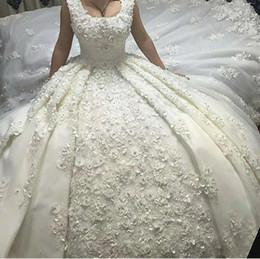 черные белые свадебные платья Скидка с Scoop декольте кружева длинный поезд ручной работы цветы жемчуг аппликации сексуальные свадебные платья 2019 новый роскошный бальное платье Свадебные платья vestidos