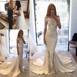 Недорогие платья от кутюр онлайн-Sexy Steven Khalil Collection 2017 Wedding Dresses Cheap Off Shoulder Mermaid Sleeves Berta pallas couture Bridal Gowns