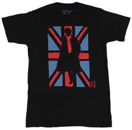 Sherlock (BBC TV Series) Maglietta da uomo - Silhouetted Sherlock in British Flag Maglietta da uomo Top Maglietta fitness cotone manica corta cheap sherlock t shirt da maglietta sherlock fornitori