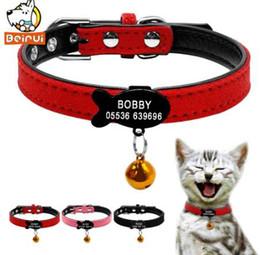 2019 colletto di gatto rosso Collari personalizzati imbottiti in pelle di collare per gatti personalizzati personalizzati Informazioni per animali domestici per gatti di taglia piccola XXS Rosso rosa nero colletto di gatto rosso economici