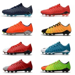Wholesale cheap low heel boots - New Mens Soccer Cleats Hypervenom Phantom III FG Outdoor Soccer Shoes Cheap Low Heel Hypervenoms ACC Mens Football Boots Shoes