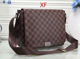 Wholesale mens fashion shoulder bags - 2018 brand classic luxury business men shoulder bags casual genuine leather mens bag design top quality man bag 27*10*23