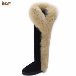 Botas de invierno de cuero de piel negra online-INOE moda botas de piel de zorro vaca cuero de gamuza sobre la rodilla botas de nieve de invierno largas para las mujeres muslo zapatos de invierno botas negro marrón