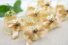 Decoraciones de aves rojas online-Caja de dulces Red de pájaros creativos Decoración de la boda Oro Pequeña campana binnon Cinta de seda Artística Pearl Lily SN687