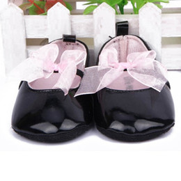 2019 scarpe da sole morbide nere Lovely Baby Neonata Soft Sole Bow nodo Pre Walker PU Leather Culla Scarpe nere sconti scarpe da sole morbide nere